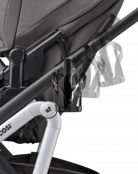 JPG CMYK 300 DPI-1880057110_2019_maxicosi_stroller_accessory_lila_black_n omadblack_cupholder_easytoinstall_side