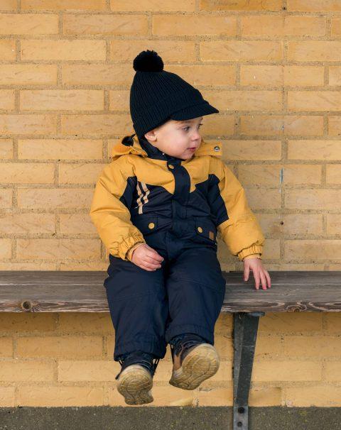uni-okke-snowsuit_1200w_